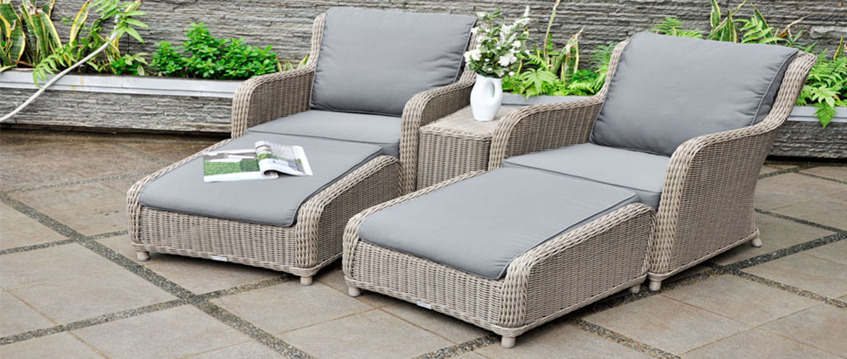 Outdoor Living Chairs